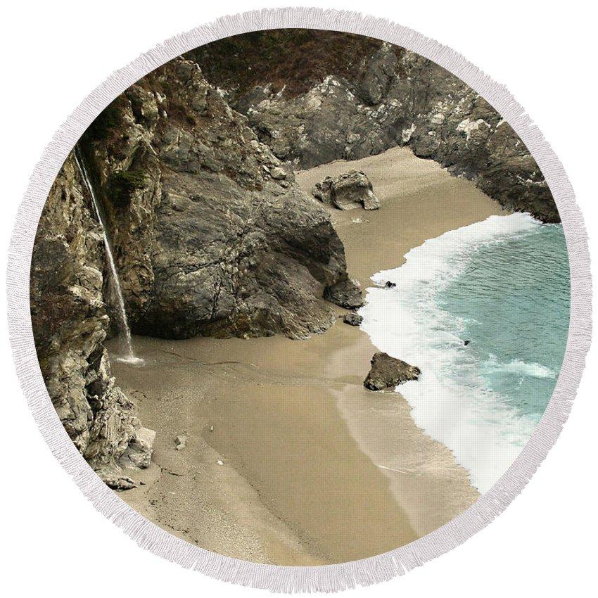 A Secret Place Round Beach Towel featuring the photograph A Secret Place by Ellen Henneke