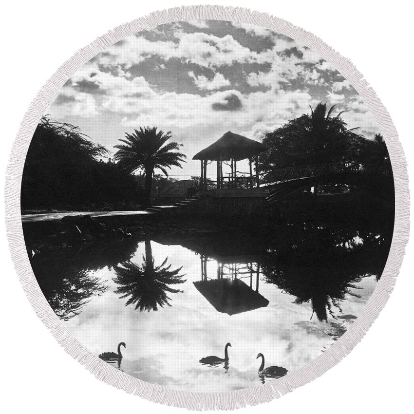 1930 Round Beach Towel featuring the photograph A Tranquil Scene In Hawaii by Underwood Archives