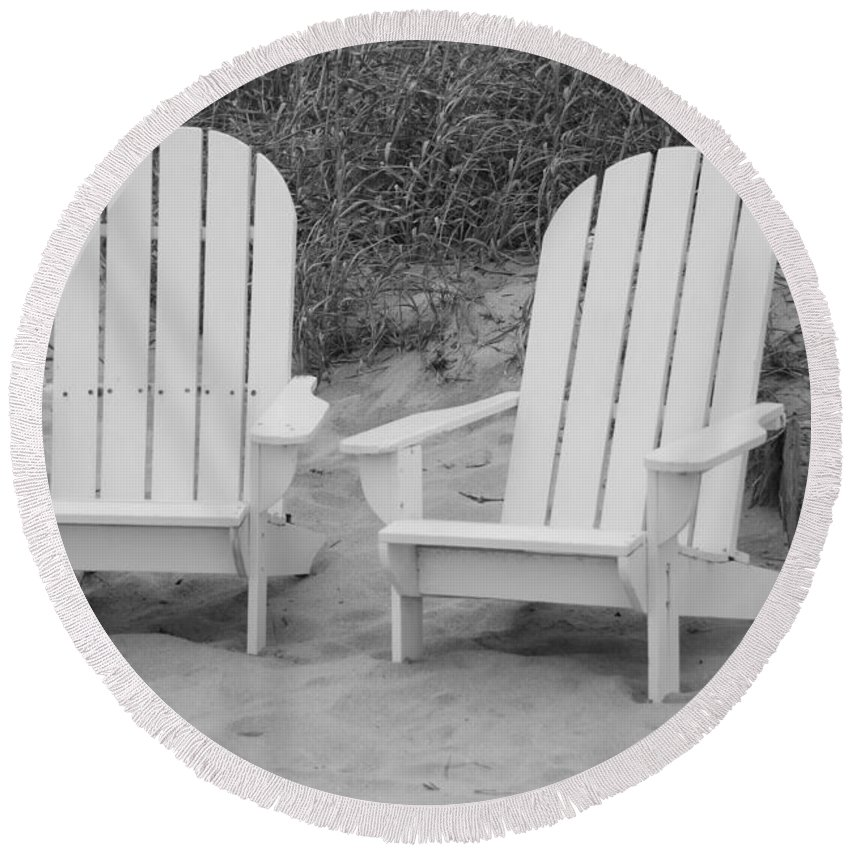 Chairs Round Beach Towel featuring the photograph Adirondachairs by Rob Hans