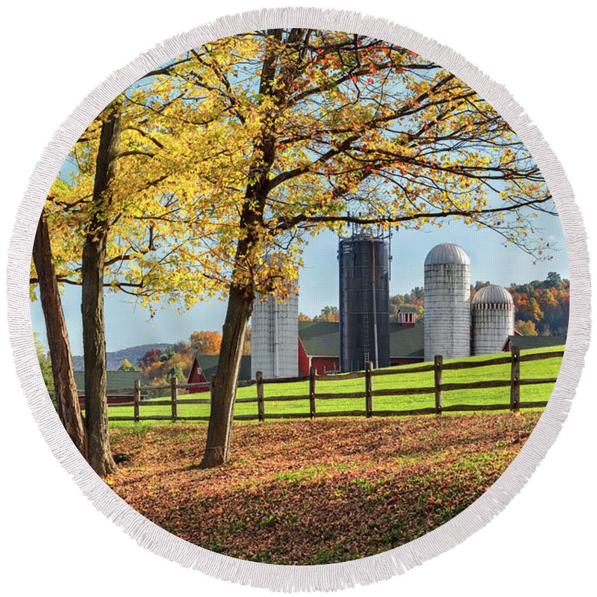 Bucolic Round Beach Towel featuring the photograph Afternoon Delight by Bill Wakeley