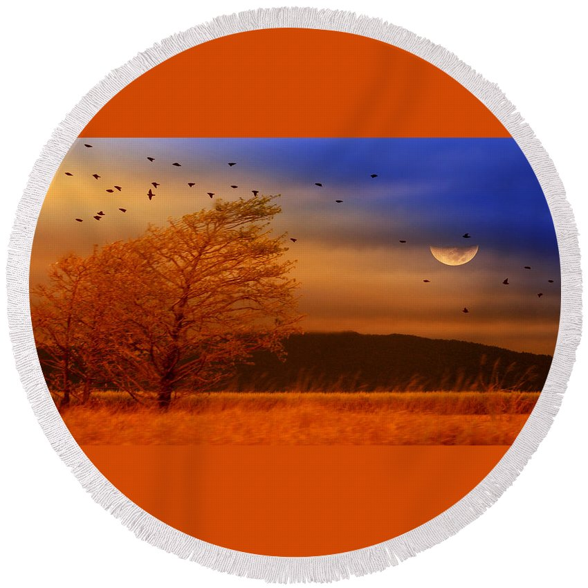 Landscape Round Beach Towel featuring the photograph Against The Wind by Holly Kempe