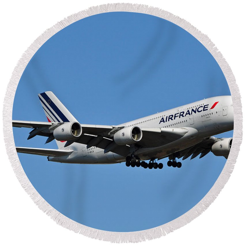 Air France Flight Af 028 Landing At Washington Dulles International Airport In Virginia Round Beach Towel featuring the photograph Airbus A80 by Paul Fearn