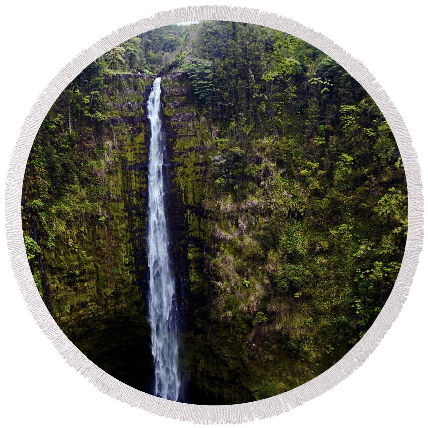 Fine Art Photography Round Beach Towel featuring the photograph Akaka Falls by Patricia Griffin Brett