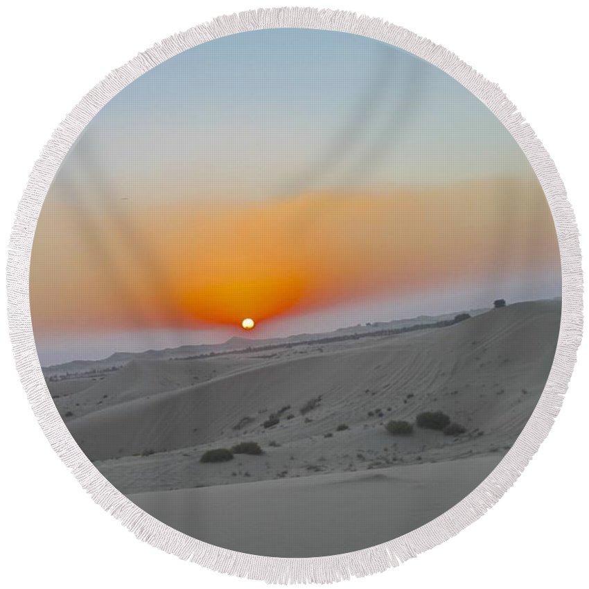 Desert Round Beach Towel featuring the photograph Al Ain Desert 12 by Mario MJ Perron