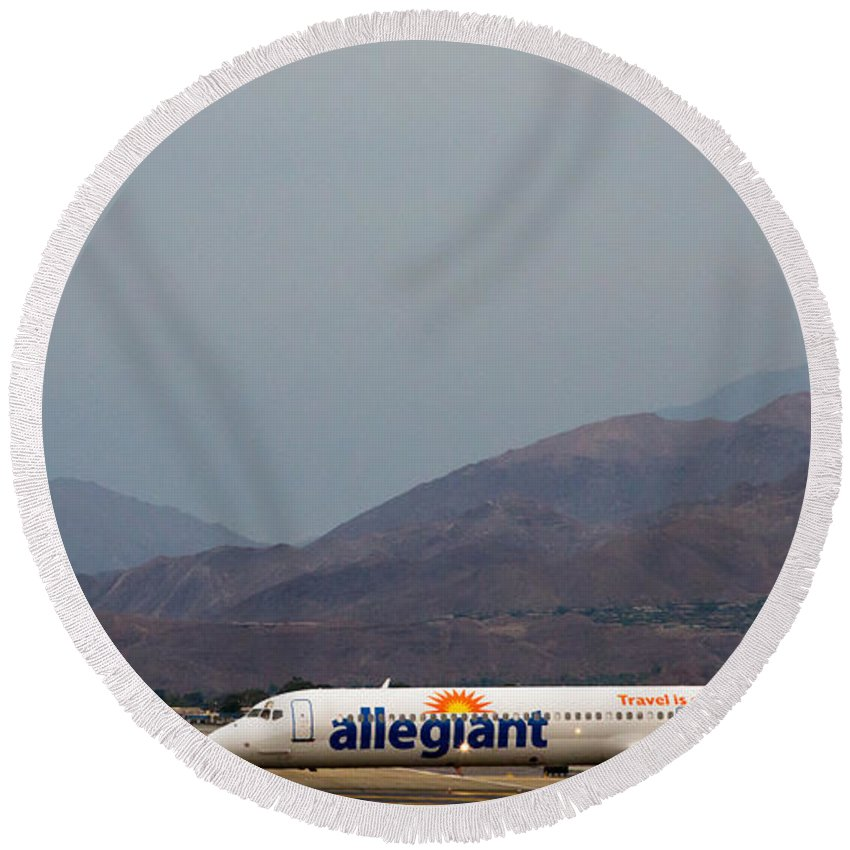Allegiant Round Beach Towel featuring the photograph Allegiant At Palm Springs Airport by John Daly