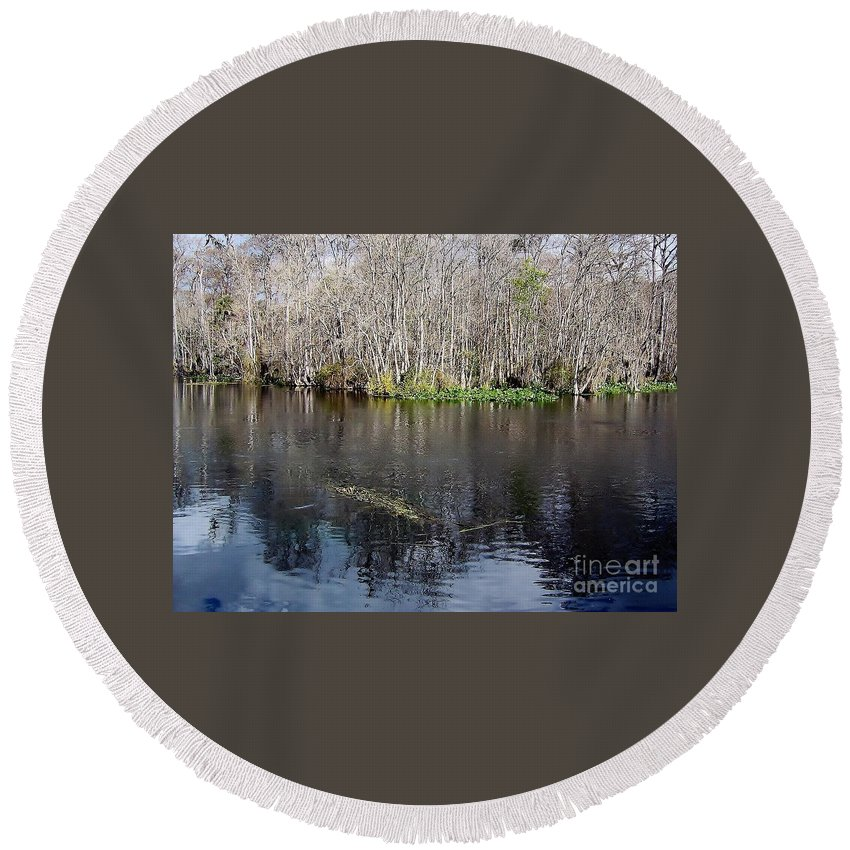 River Round Beach Towel featuring the photograph Reflections - On The - Silver River by D Hackett