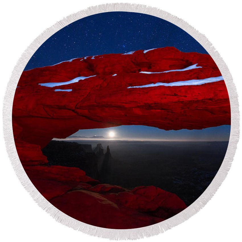 Mesa Arch Round Beach Towel featuring the photograph American Moonrise by Dustin LeFevre