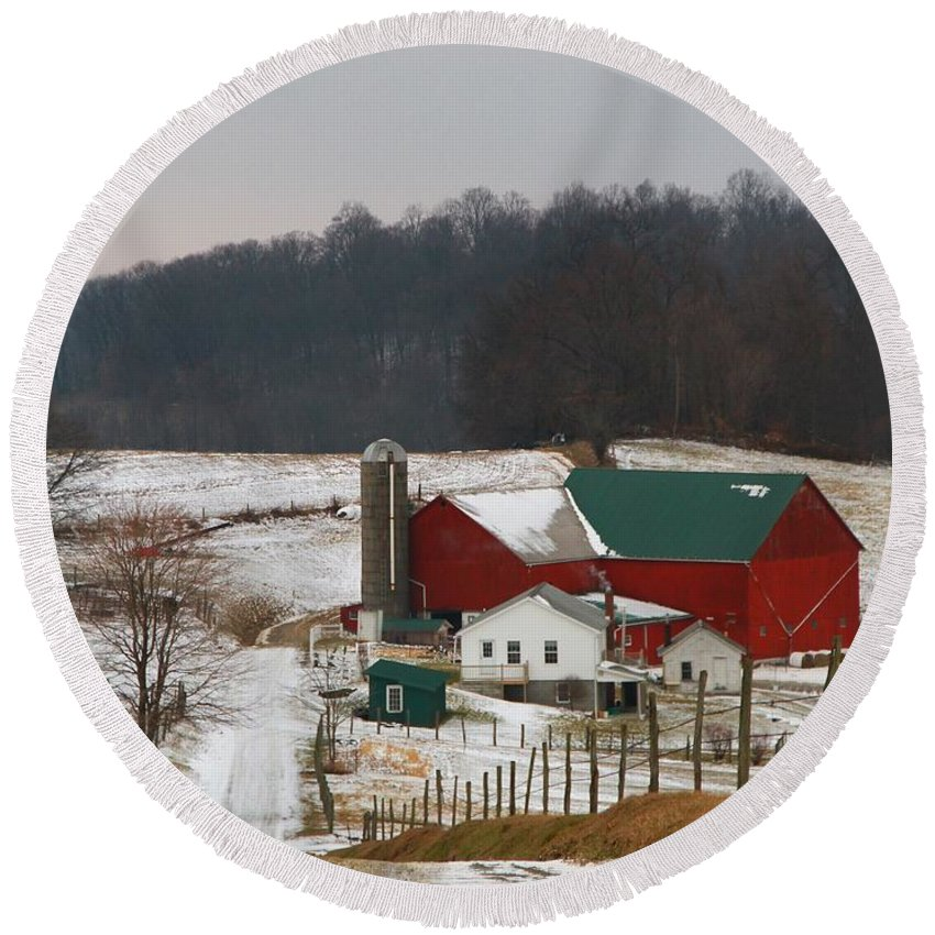 Amish Barn In Winter Round Beach Towel featuring the photograph Amish Barn In Winter by Dan Sproul