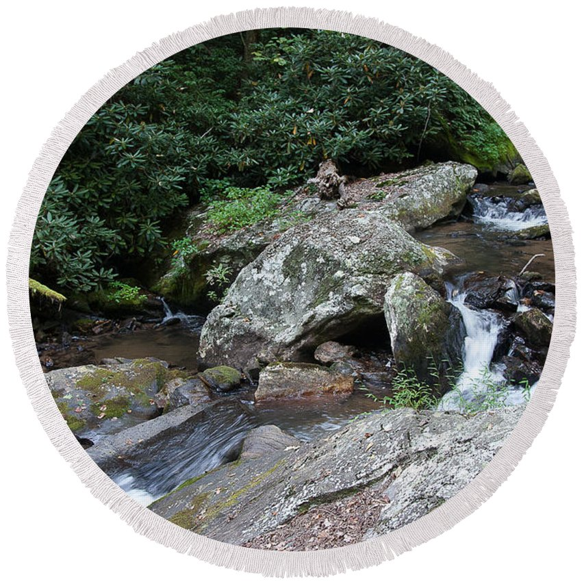 Water Falls Round Beach Towel featuring the photograph Anna Ruby Falls 16 by Spencer Studios