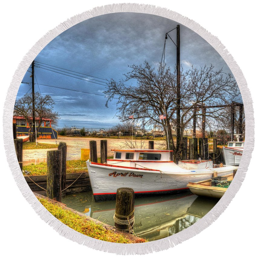 April Dawn Round Beach Towel featuring the photograph April Dawn Poquoson Virginia by Greg Hager