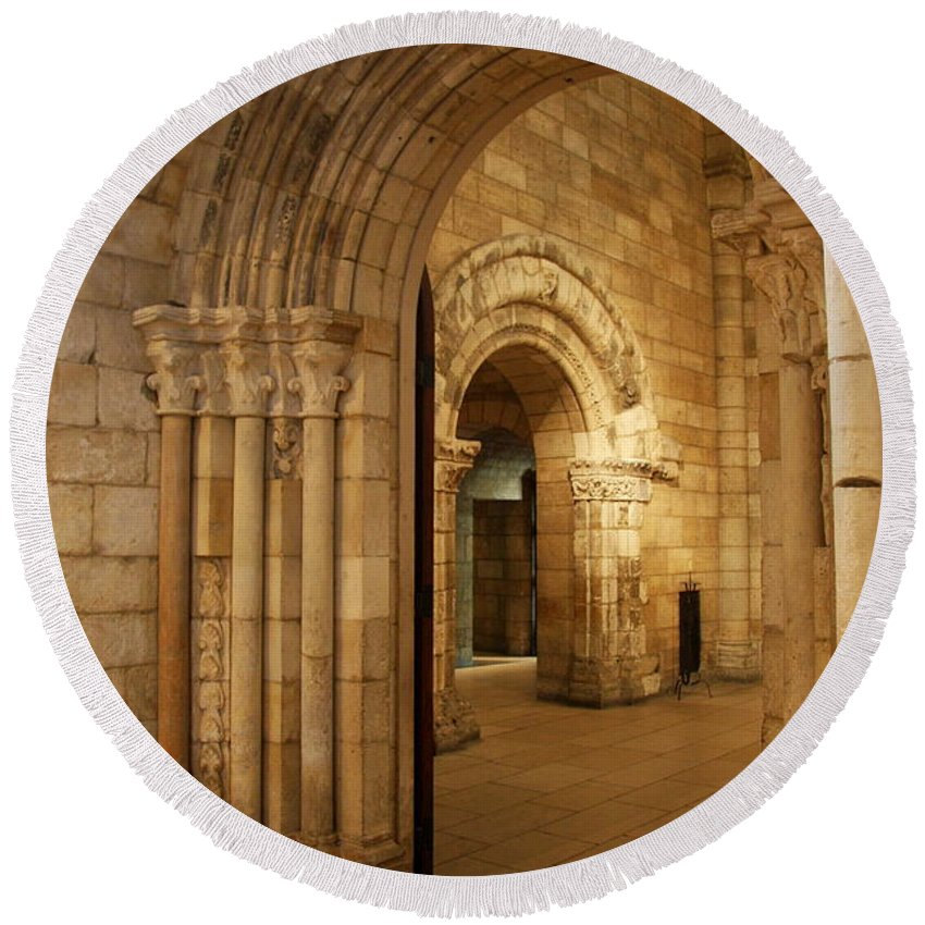 Archway Round Beach Towel featuring the photograph Archways Cloisters Nyc by Christiane Schulze Art And Photography