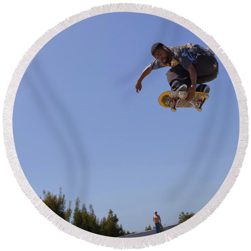 Skateboarding Round Beach Towel featuring the photograph Art Of Flight by B Christopher