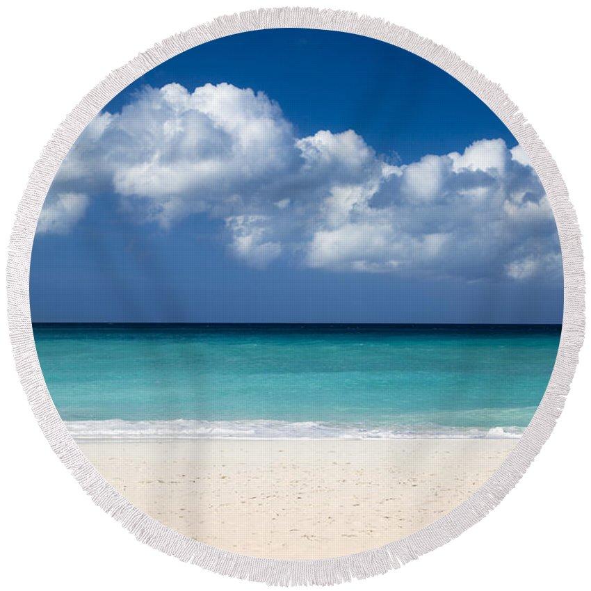 Aruba Round Beach Towel featuring the photograph Aruba Beach by Brian Jannsen