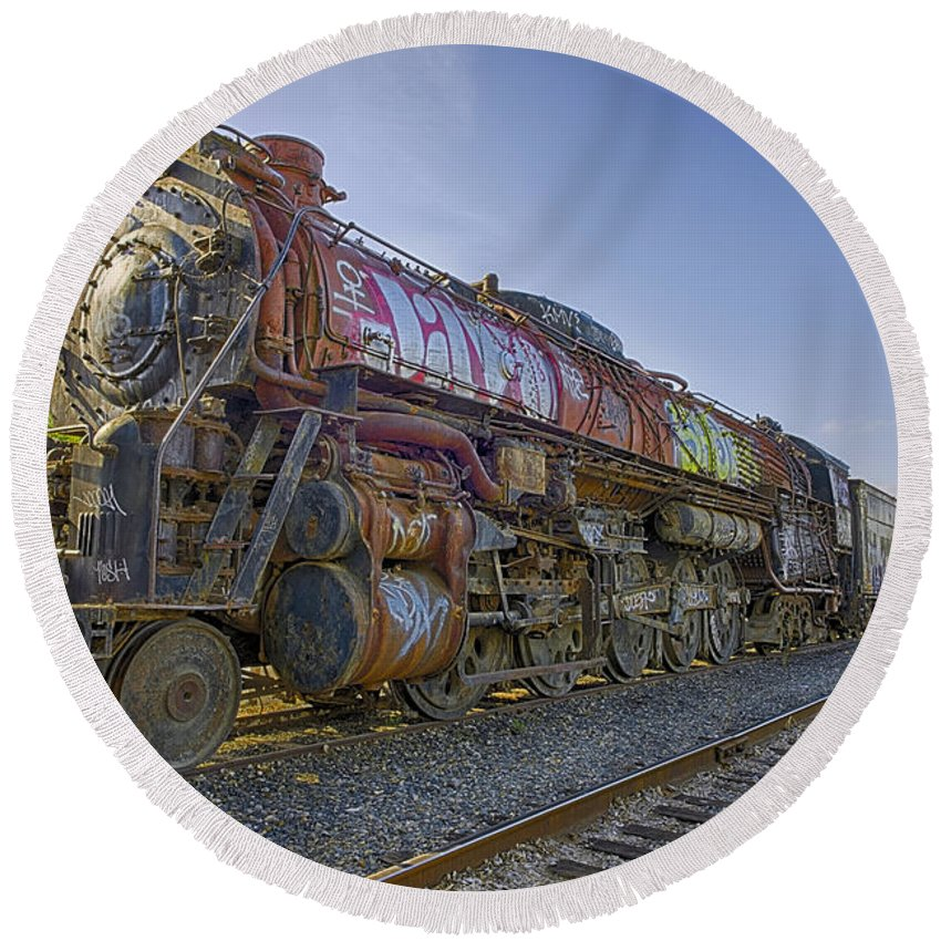 5021 Round Beach Towel featuring the photograph Atsf 2 10 4 5021 by Jim Thompson
