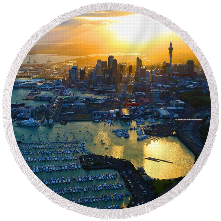 Landscape Round Beach Towel featuring the digital art Auckland Oil On Canvaz by Don Kuing