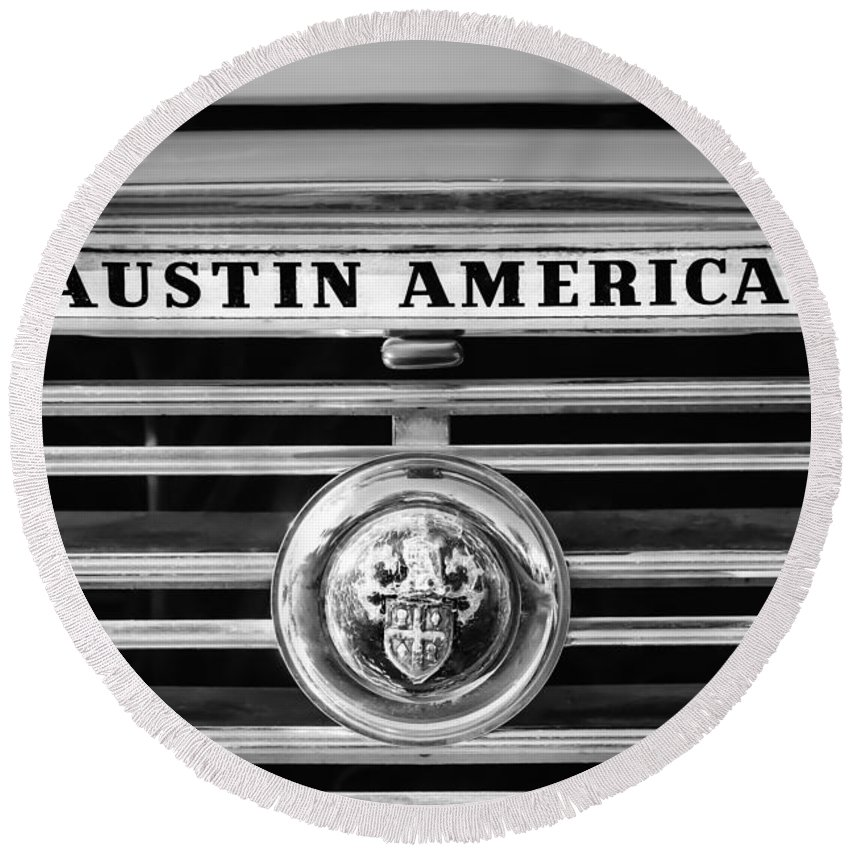 Austin America Grille Emblem Round Beach Towel featuring the photograph Austin America Grille Emblem -0304bw by Jill Reger