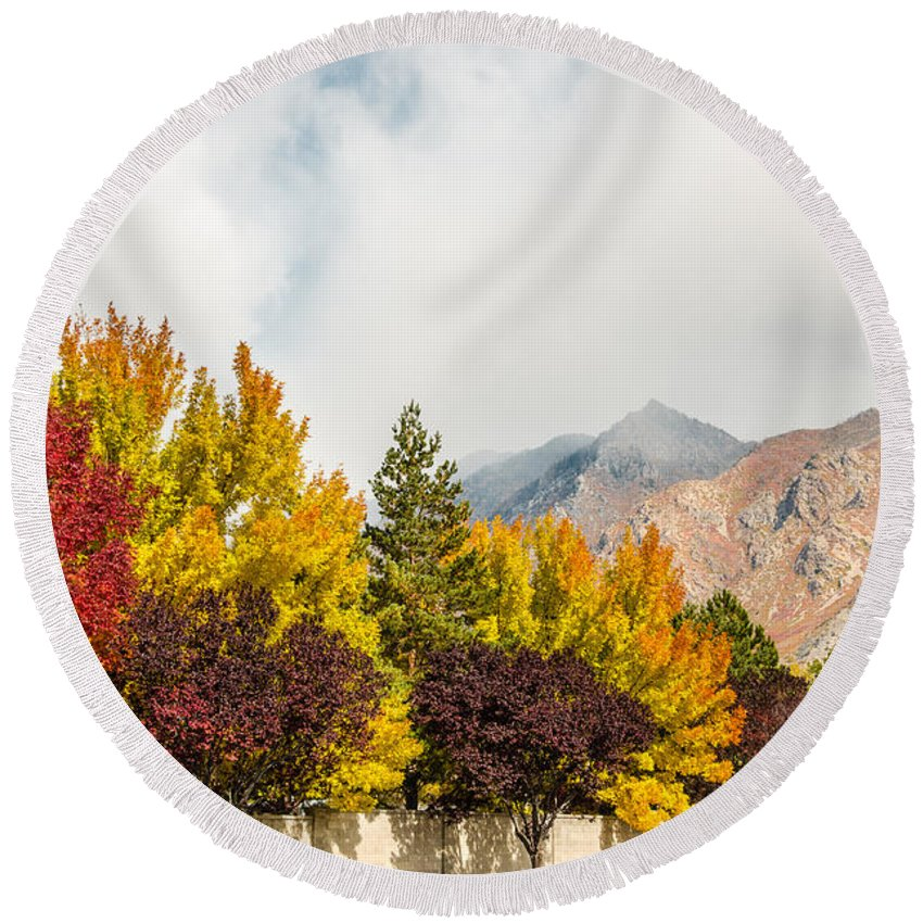 Utah Round Beach Towel featuring the photograph Autumn In The City by Sue Smith