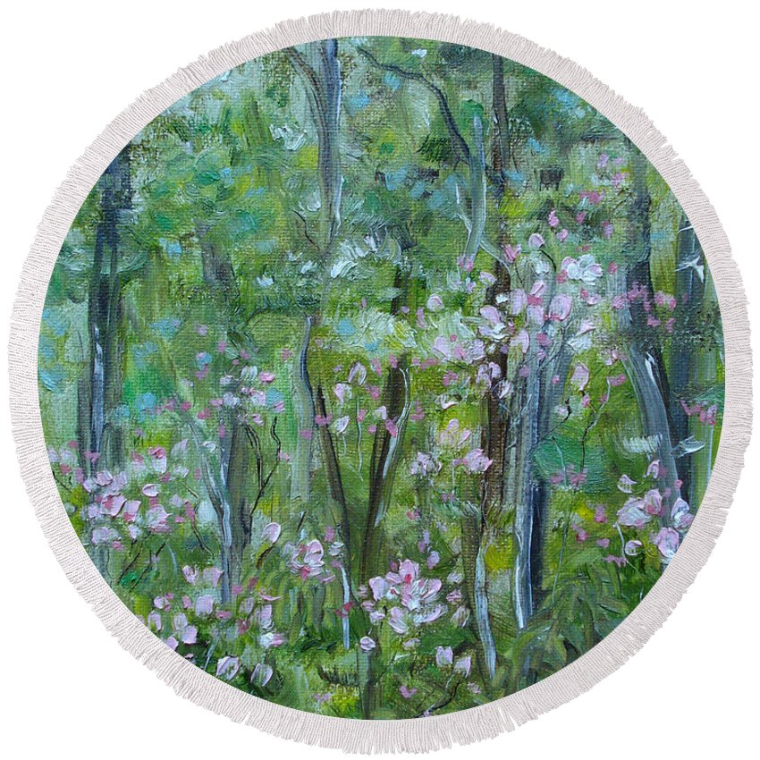 Mountain Laurel Round Beach Towel featuring the painting Backyard Mountain Laurel by Judith Rhue