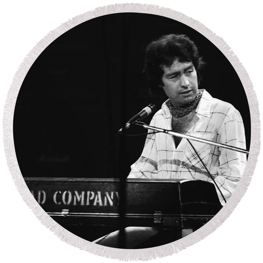 Paul Rodgers Round Beach Towel featuring the photograph Bad Company 1977 by Ben Upham