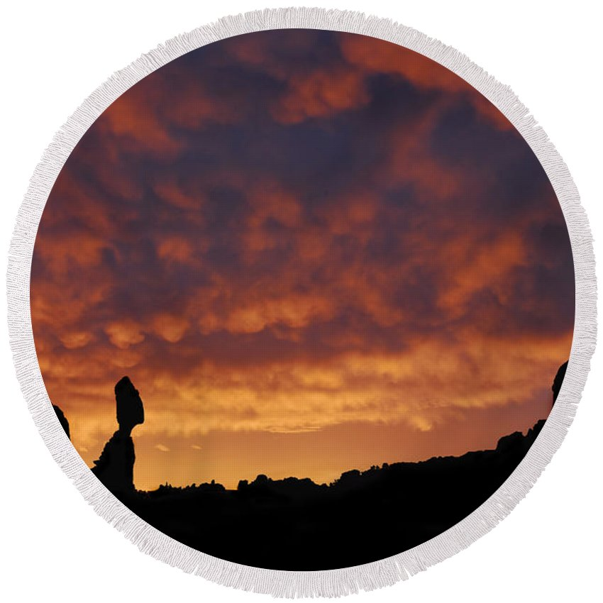 Balanced Rock Round Beach Towel featuring the photograph Balanced Rock Al Silhouette by Dave Mills