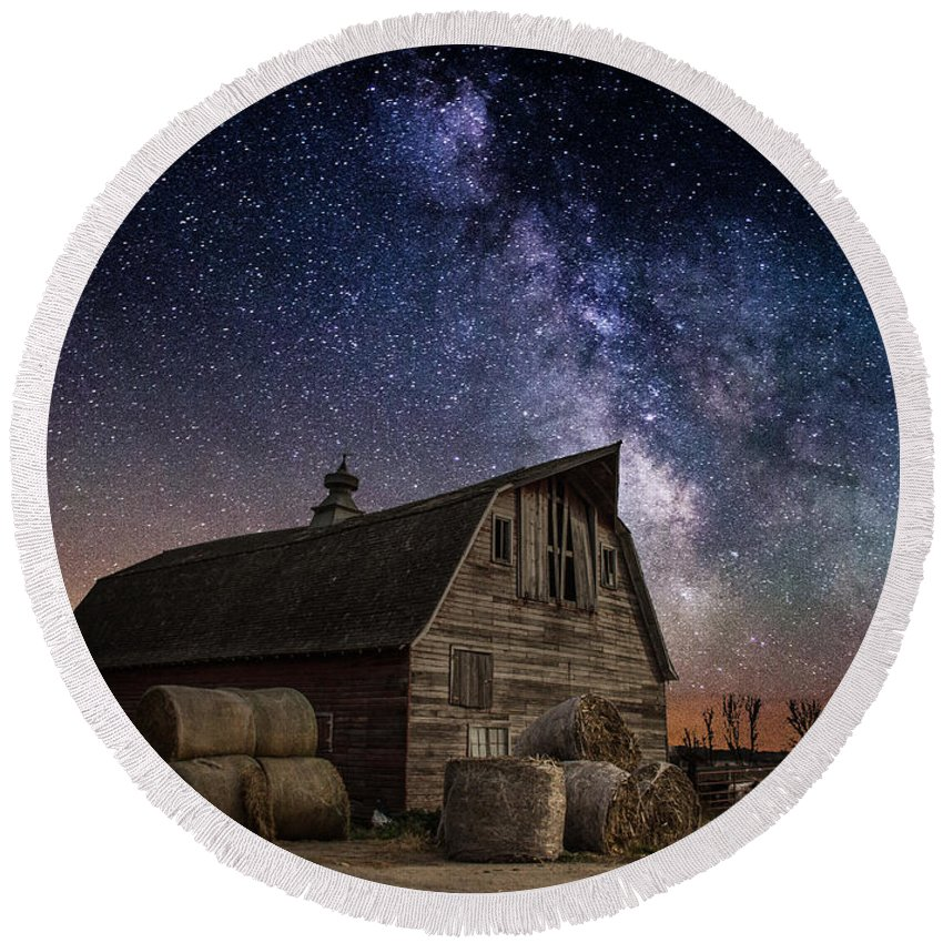 Barn Round Beach Towel featuring the photograph Barn Iv by Aaron J Groen
