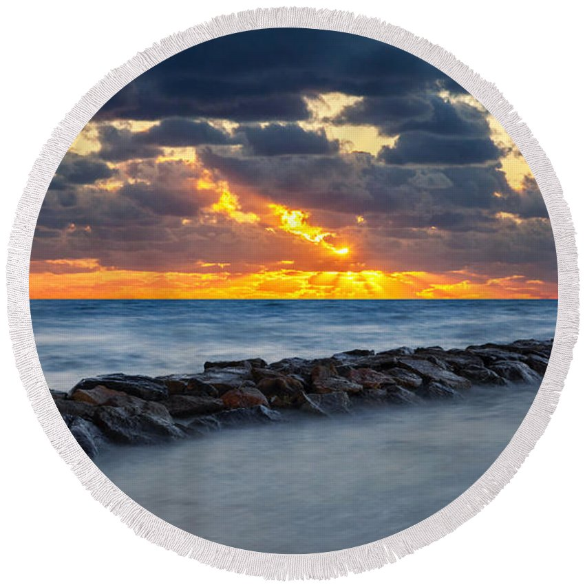 Cape Cod Sunset Round Beach Towel featuring the photograph Bayside Sunset by Bill Wakeley