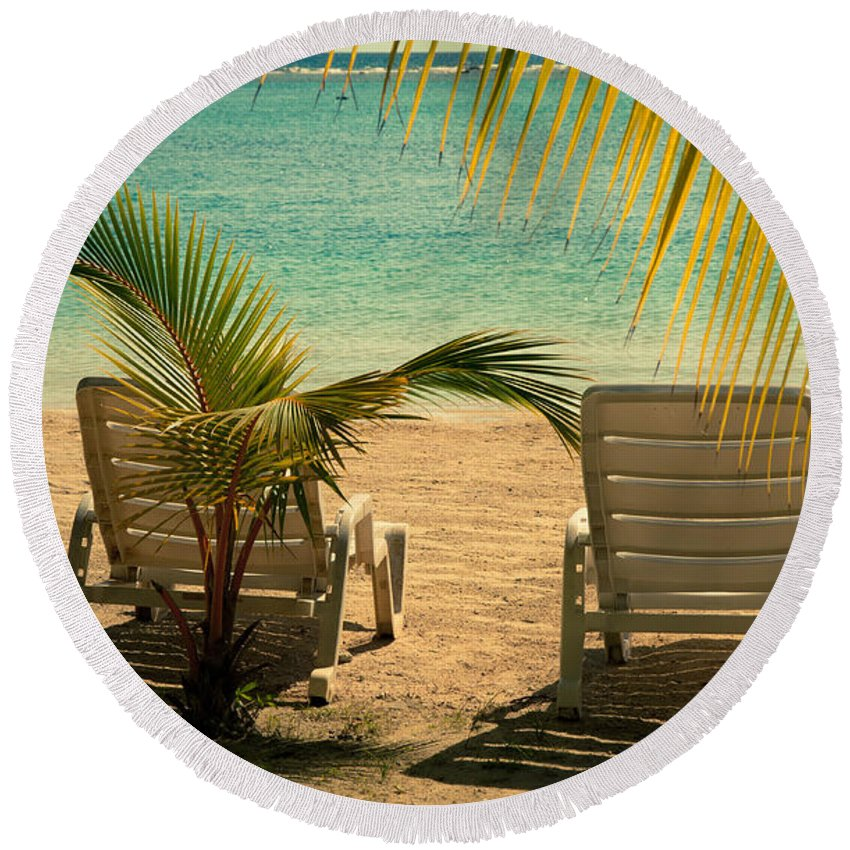 Bay Round Beach Towel featuring the photograph Beach Paradize by Zina Zinchik