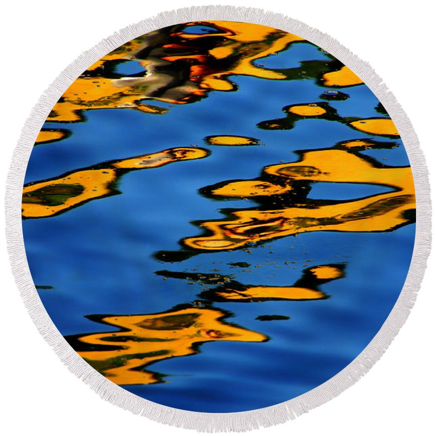 Abstract Water Round Beach Towel featuring the photograph Beagles At Play by Donna Blackhall
