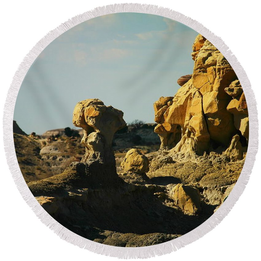 New Mexico Round Beach Towel featuring the photograph Beautiful Red Rock by Jeff Swan