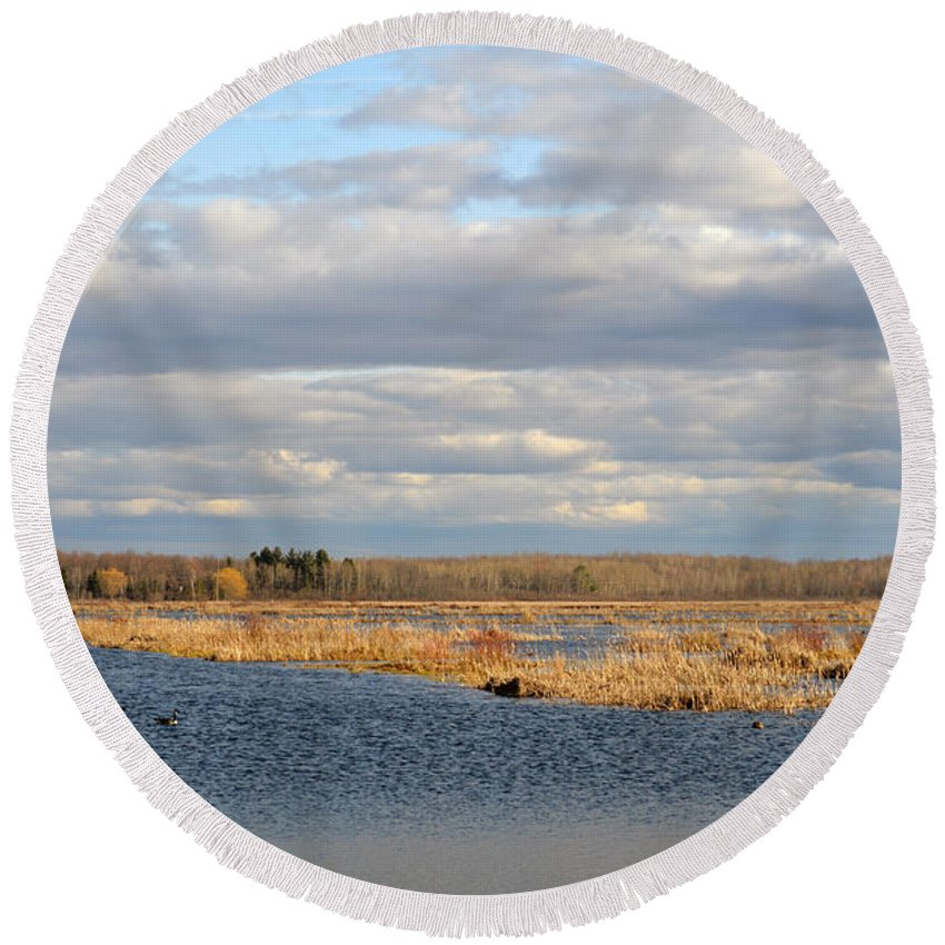 Houghton Lake Round Beach Towel featuring the photograph Beauty In Nature by Linda Kerkau