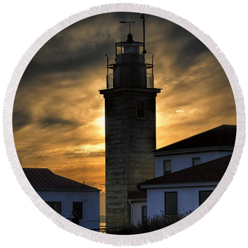 Beavertail Round Beach Towel featuring the photograph Beavertail Lighthouse Too by Joan Carroll