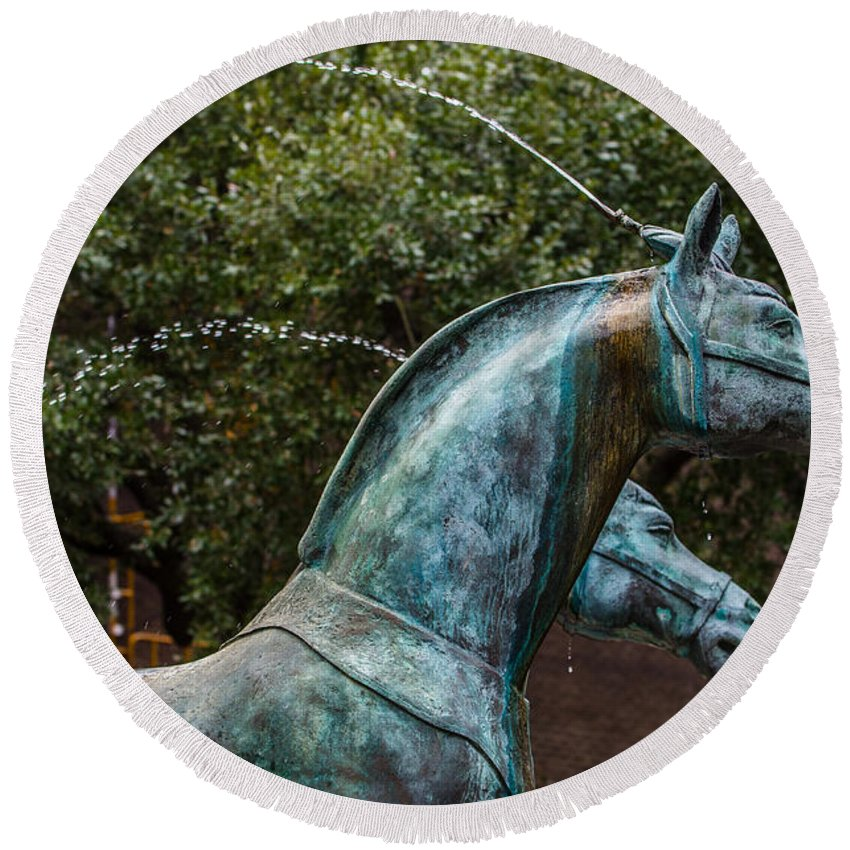 Belmond Charleston Horse Fountain Round Beach Towel featuring the photograph Belmond Charleston Place Horse Fountain by Dale Powell
