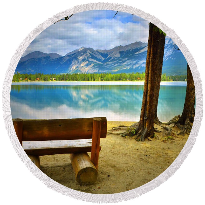 Bench Round Beach Towel featuring the photograph Bench View At Lake Edith by Tara Turner