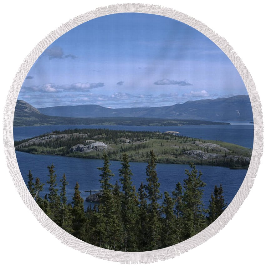 Americas Round Beach Towel featuring the photograph Bennet Lake by Roderick Bley