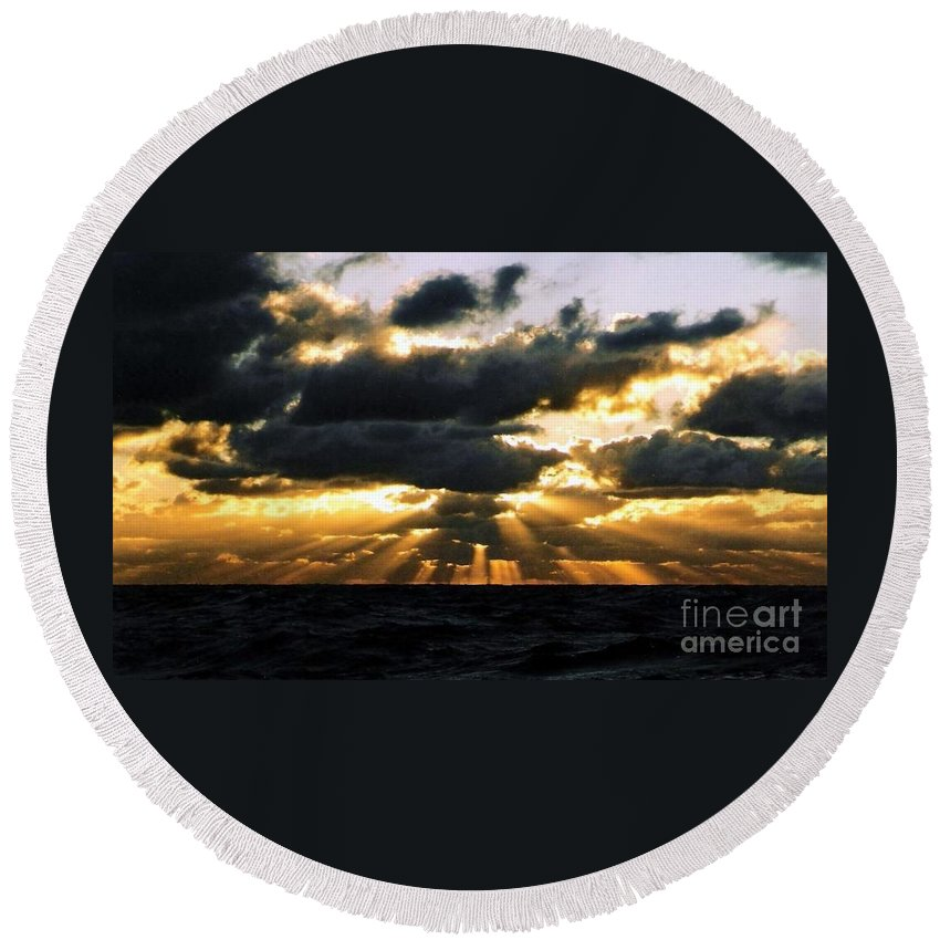 Sunset Round Beach Towel featuring the photograph Crepuscular Biblical Rays At Dusk In The Gulf Of Mexico by Michael Hoard