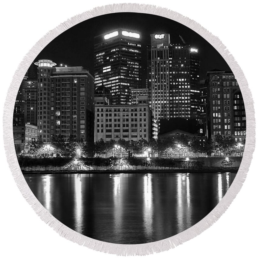 Pittsburgh Round Beach Towel featuring the photograph Black And White Night In Pa by Frozen in Time Fine Art Photography