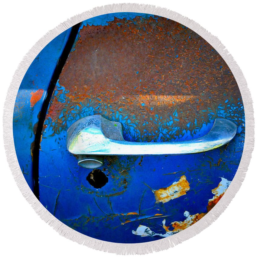 Car Round Beach Towel featuring the photograph Blue And Rusty Picking by Gwyn Newcombe
