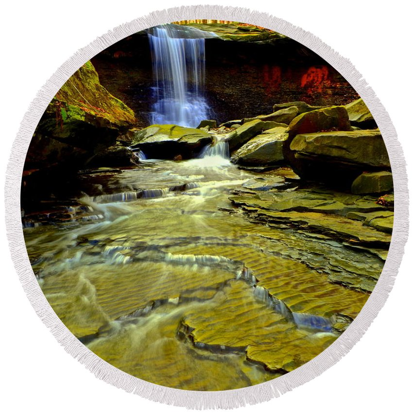 Cleveland Round Beach Towel featuring the photograph Blue Hen Falls by Frozen in Time Fine Art Photography