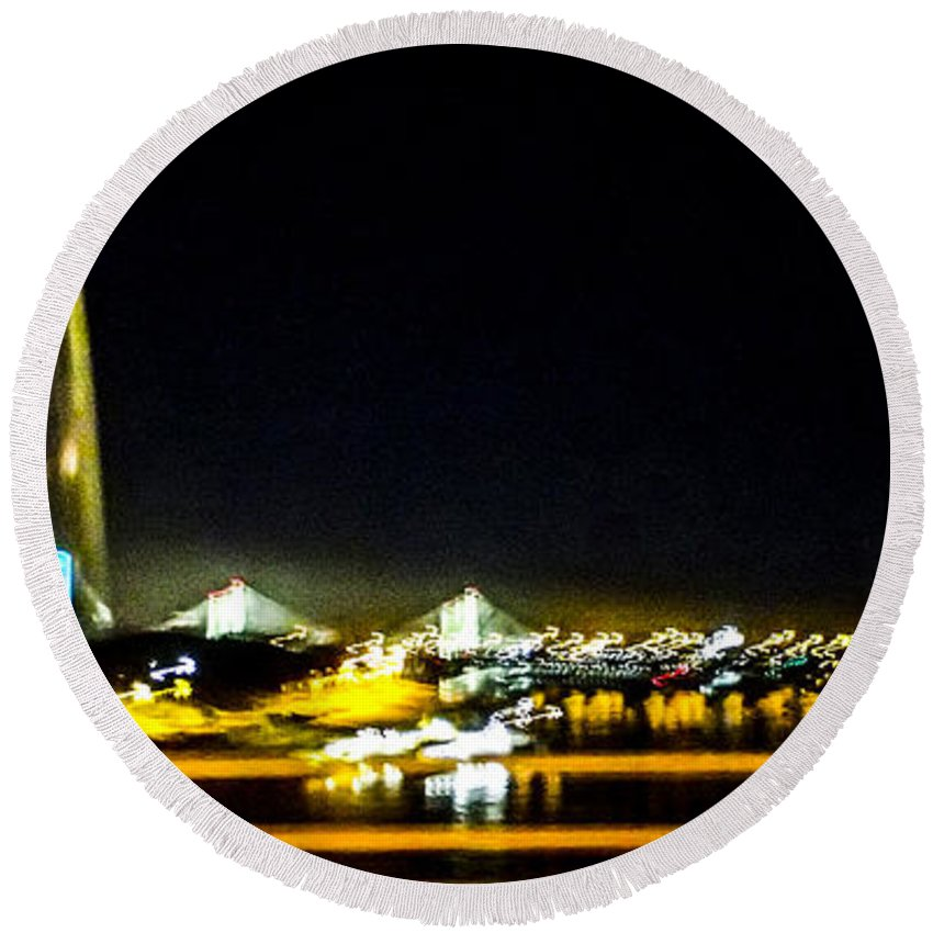 Missouri Round Beach Towel featuring the photograph Blurry Waterfront 4 by Angus Hooper Iii