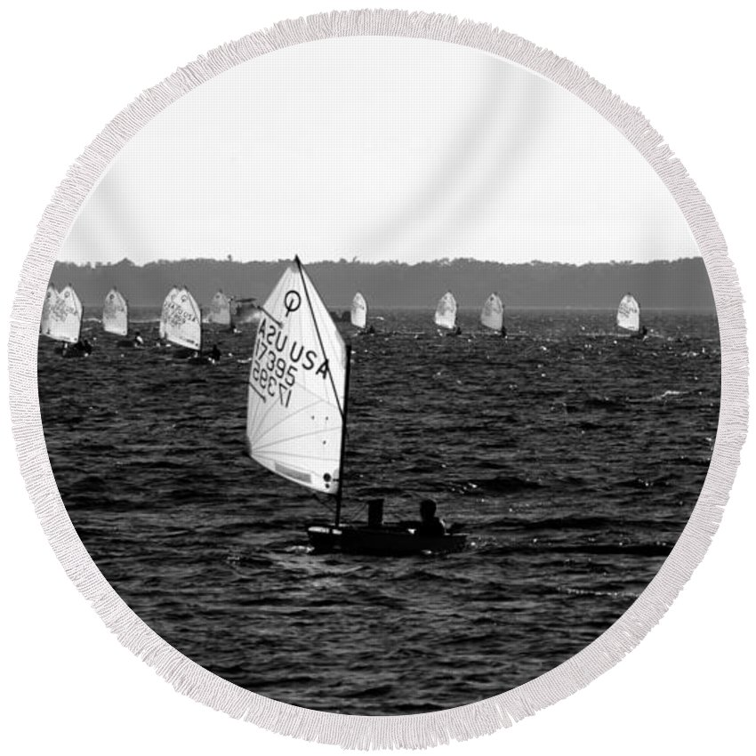 Sailing Round Beach Towel featuring the photograph Boats In The Bay by David Lee Thompson