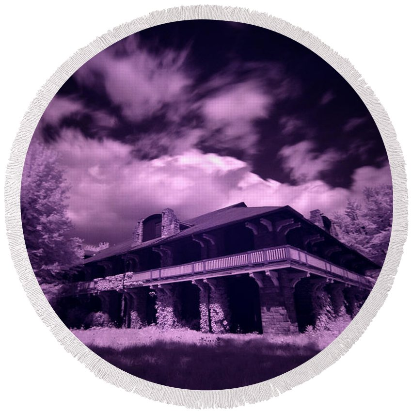 Boblo Island Round Beach Towel featuring the photograph Boblo Roller Rink - Infrared by Cale Best
