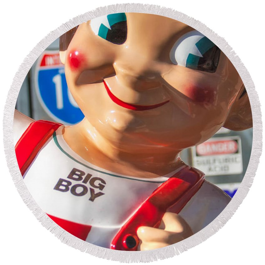 Sign Round Beach Towel featuring the photograph Bob's Big Boy by Jerry Fornarotto
