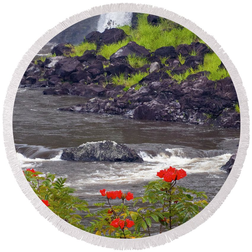 Boiling Pots State Park Big Island Hawaii Parks Wailuka River Rivers Water Falls Waterfall Waterfalls Tree Trees Plants Plants Flower Flowers Landscape Landscapes Waterscape Waterscapes Round Beach Towel featuring the photograph Boiling Pots State Park by Bob Phillips