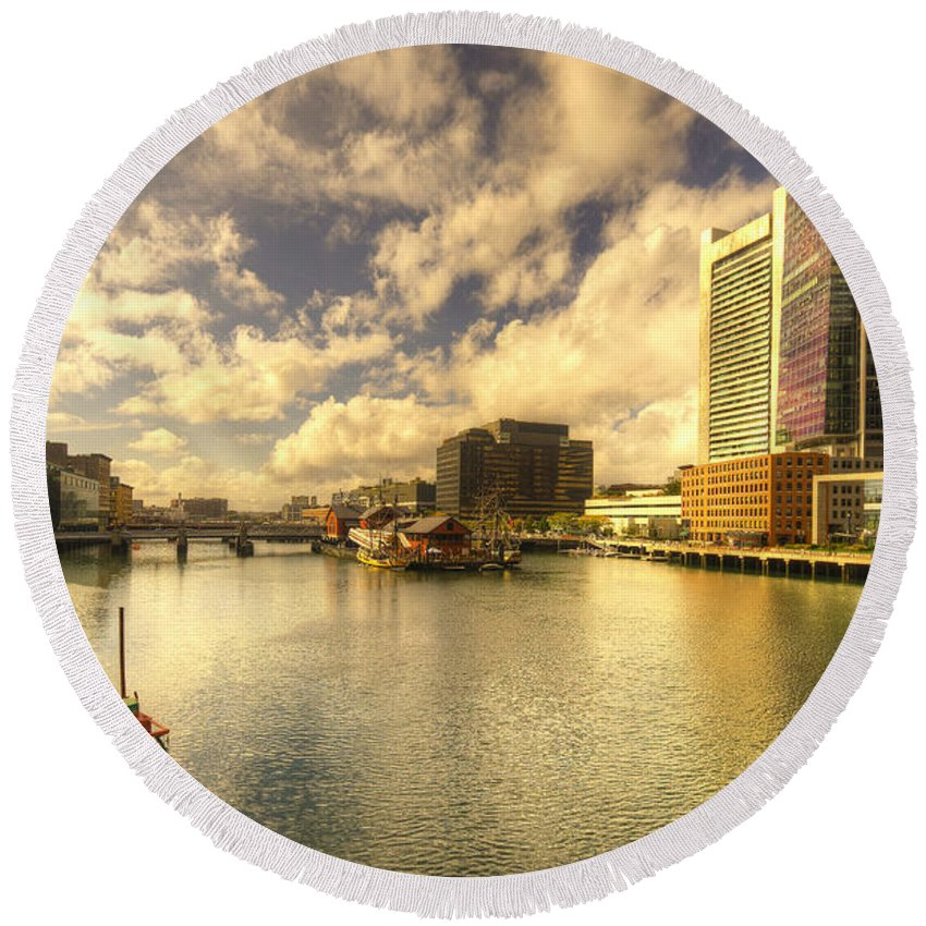 Boston Round Beach Towel featuring the photograph Boston Harbour by Rob Hawkins
