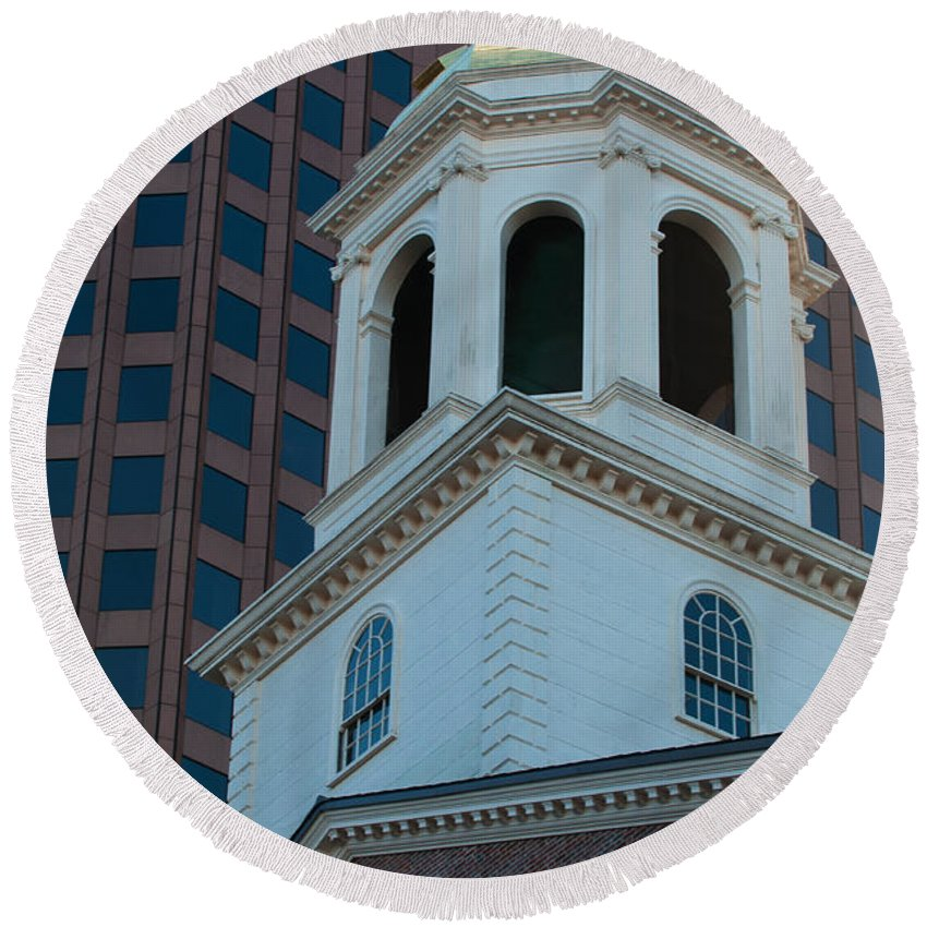Boston Round Beach Towel featuring the photograph Boston's North Meeting House by Paul Mangold