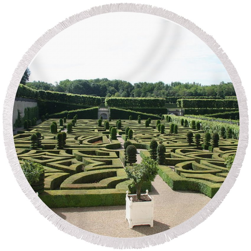 Garden Round Beach Towel featuring the photograph Boxwood Garden Design - Chateau Villandry by Christiane Schulze Art And Photography