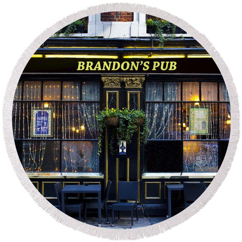 Brandon Round Beach Towel featuring the photograph Brandon's Pub by David Pyatt