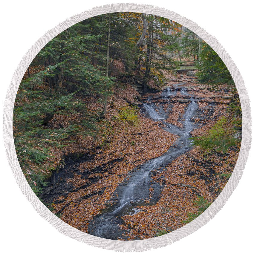 Background Round Beach Towel featuring the photograph Bridal Vail Falls - Cvnp by Jack R Perry