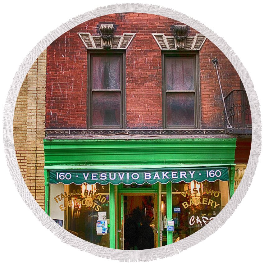 Store Round Beach Towel featuring the photograph Bread Store New York City by Garry Gay