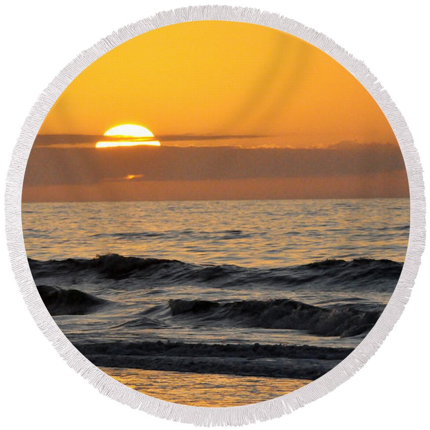 Beach Round Beach Towel featuring the photograph Breaking Day by Kay Lovingood